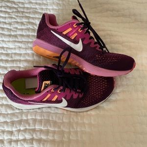 Nike dynamic fit running shoe